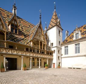 tourism beaune and burgundy chateau de chorey les beaune. Black Bedroom Furniture Sets. Home Design Ideas